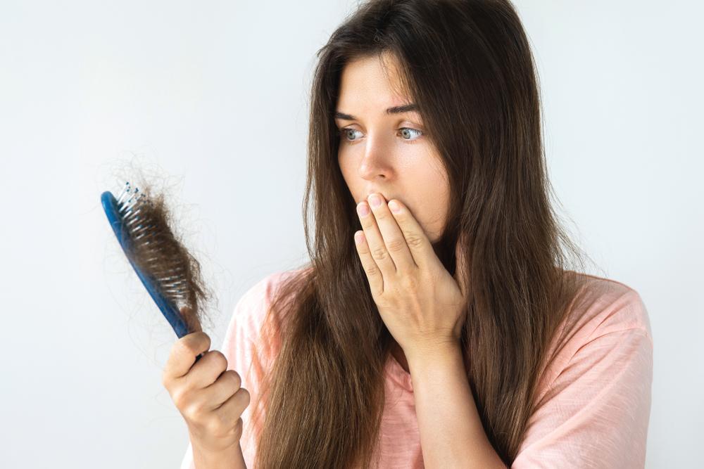 Lupus tünete lehet hajhullás is.